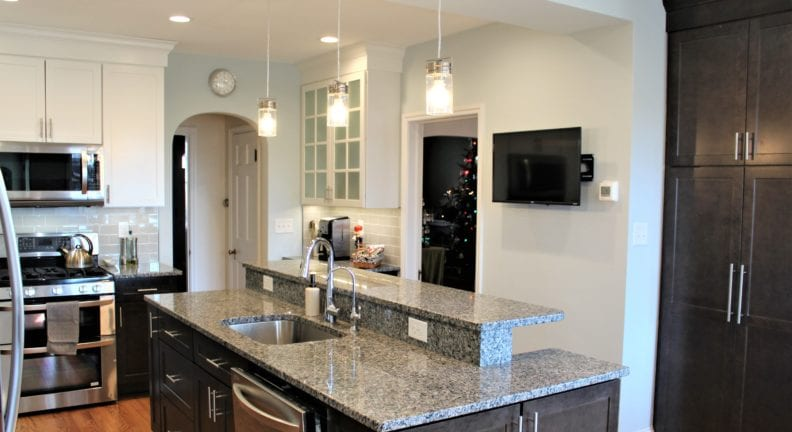 Who does home remodeling like this kitchen remodel in Baker Park